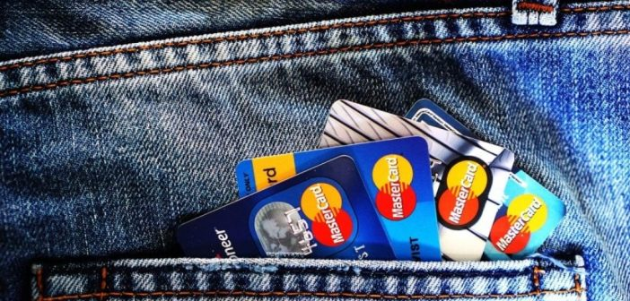 Banke povećale naknade i provizije