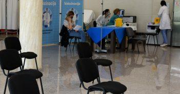 U Crnoj Gori dato 297.632 doze vakcina